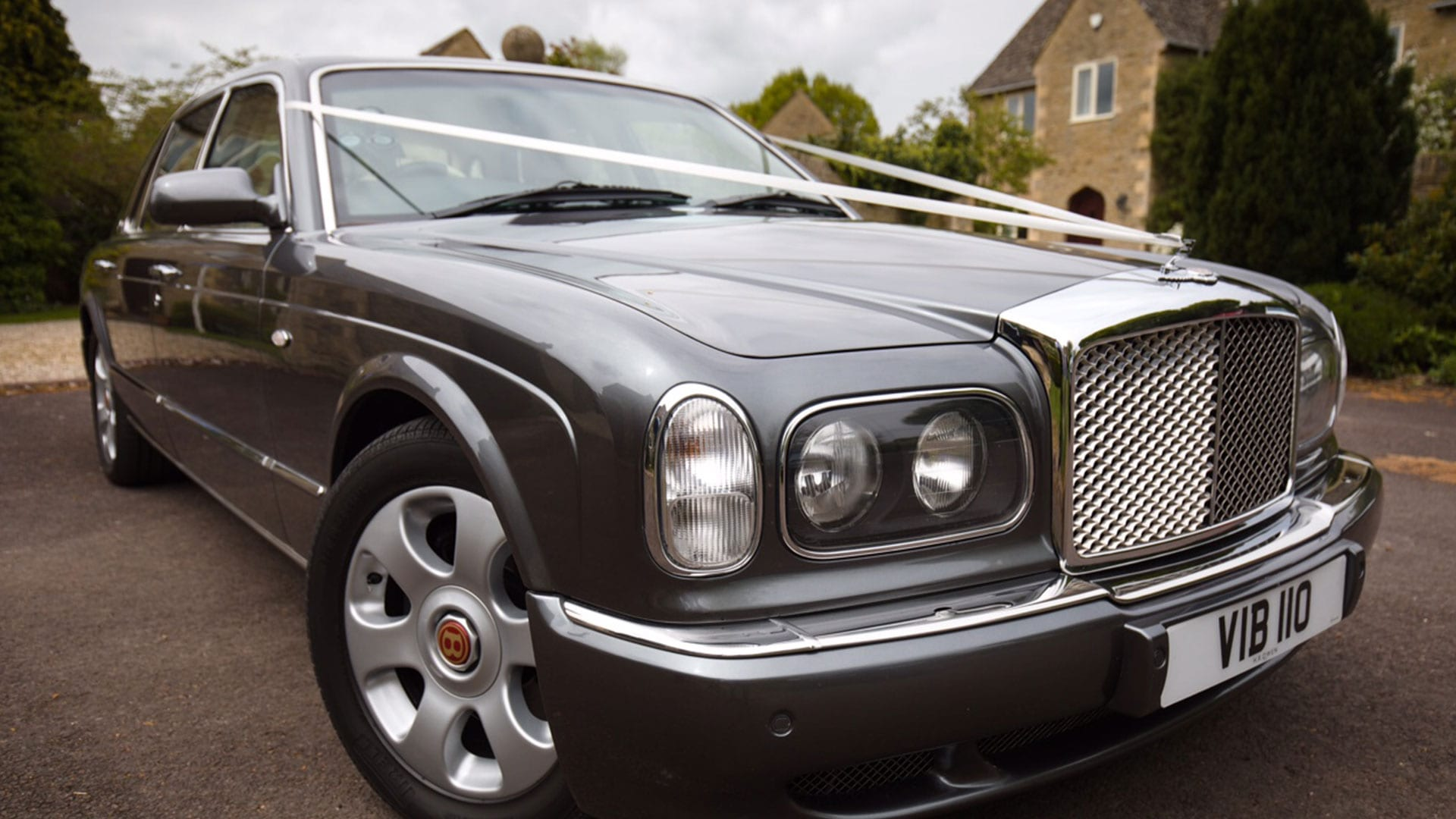 Azure's Bentley Arnage wedding car with ribbons