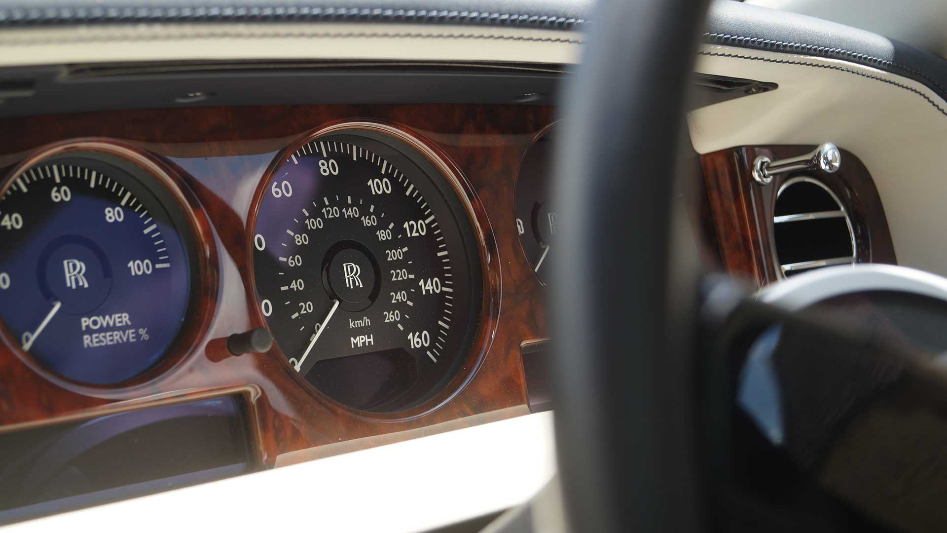 Rolls-Royce Phantom Dashboard with Walnut Veneer