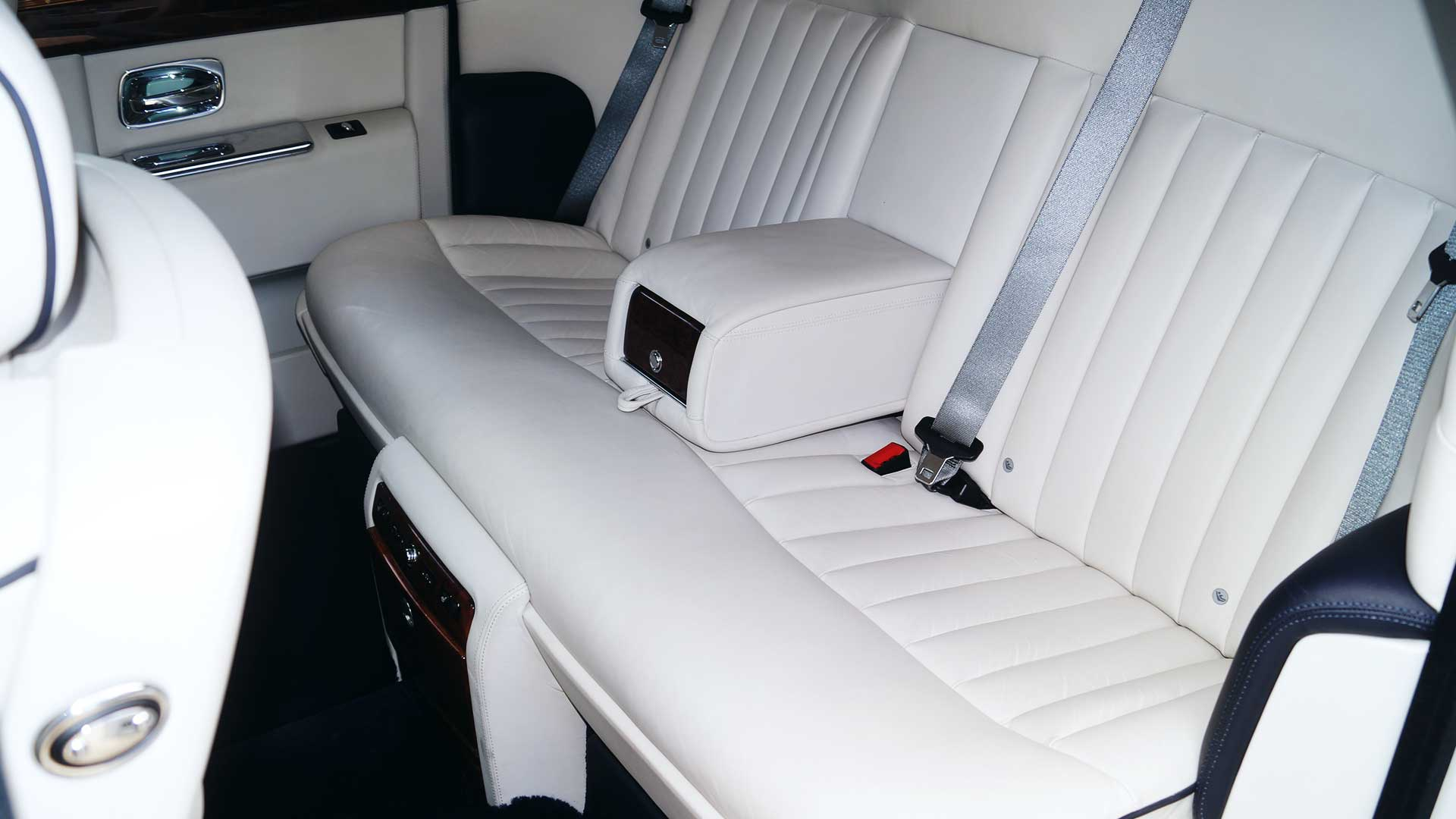 Rolls-Royce Phantom - Rear Seating