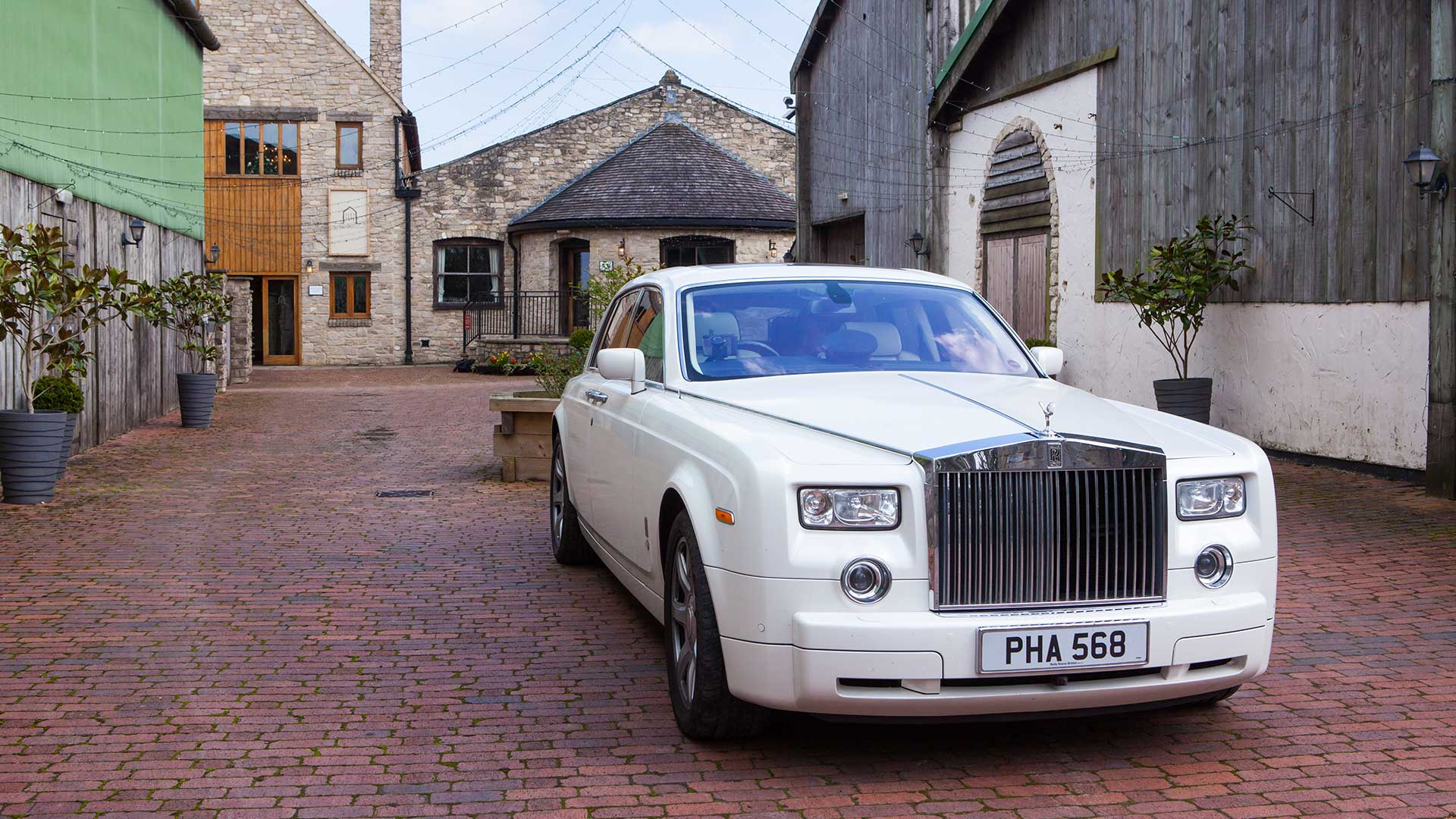 The Rolls-Royce Phantom wedding car in white