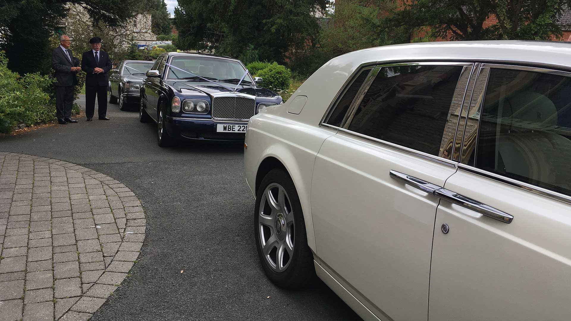 Azure's Wedding Cars arriving in convoy
