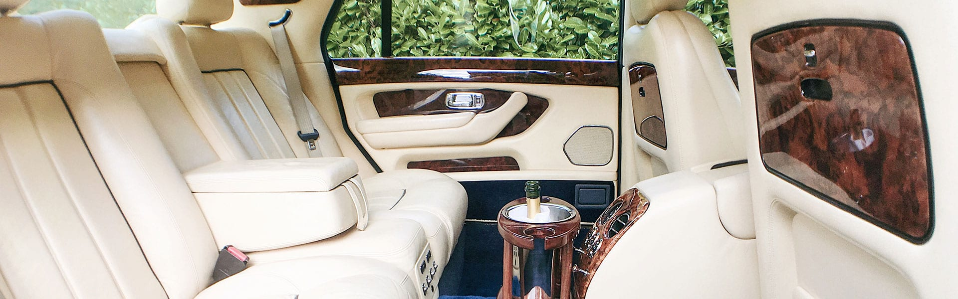 Bentley-Arnage-in-Blue-Hero-Slider-1920×500-2