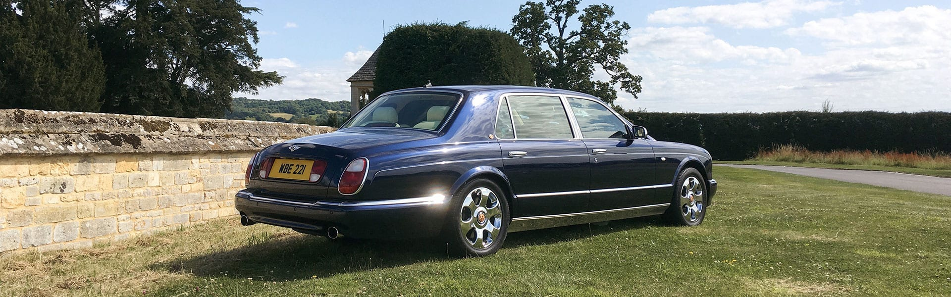 Bentley-Arnage-in-Blue-Hero-Slider-1920×500-4