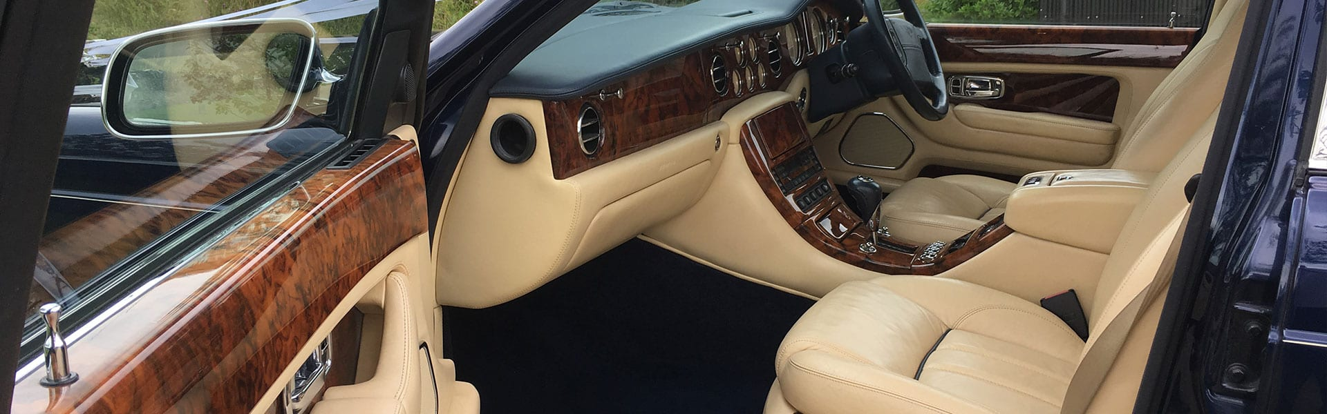 Bentley-Arnage-in-Blue-Hero-Slider-1920×500-5